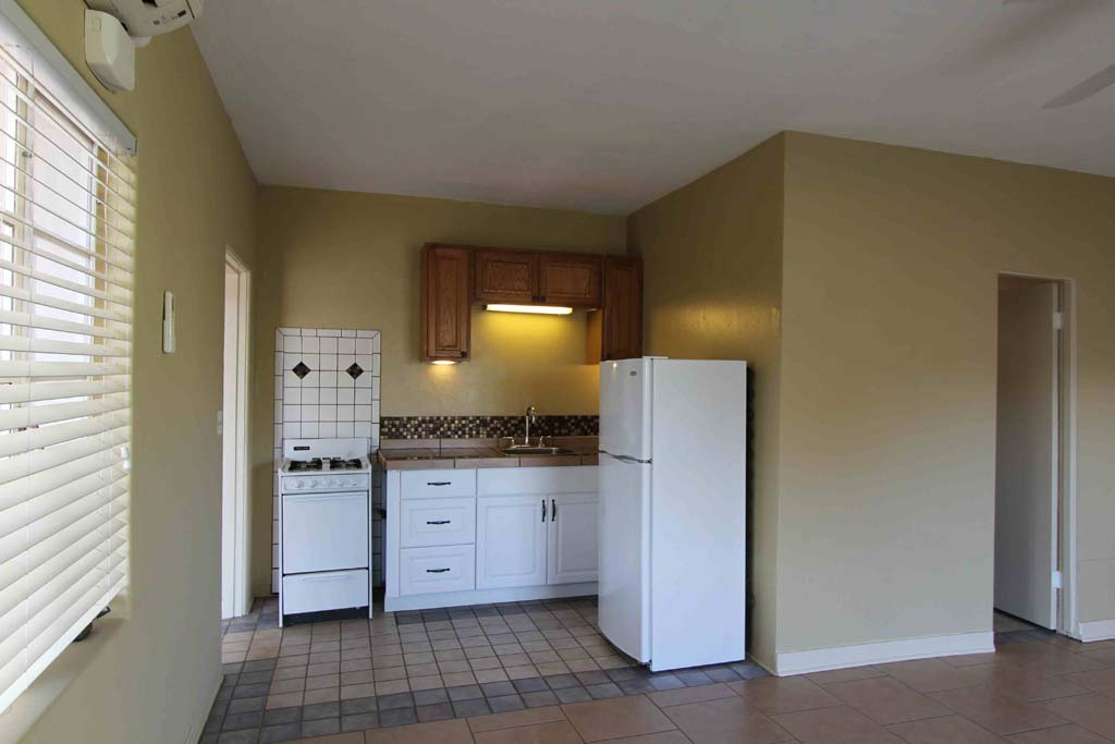 1 Bedroom and Studio Apartments near University of Arizona
